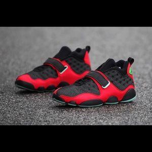 Nike Air Jordan 13 Black Cat Bred AR0772-006